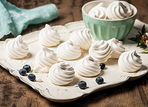White Meringue Twirls